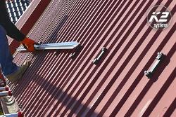 SpeedRail is de allrounder voor trapeziumvormige staalplaten van K2 Systems