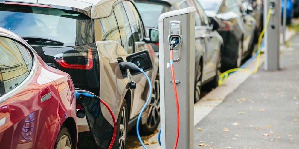VK wil na 2030 alleen nog verkoop van elektrische auto's
