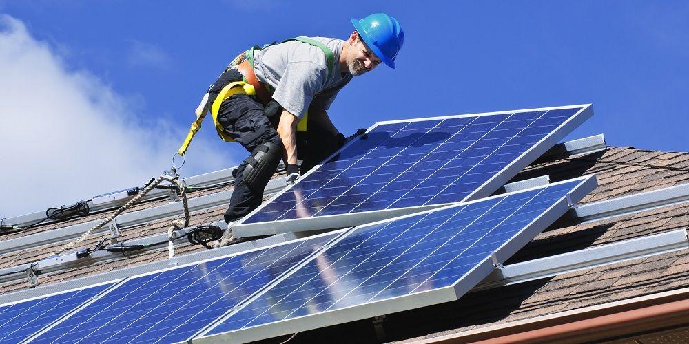 Slechts 7% van huiselijke energieopwekkers slaat op: Enorme groei verwacht
