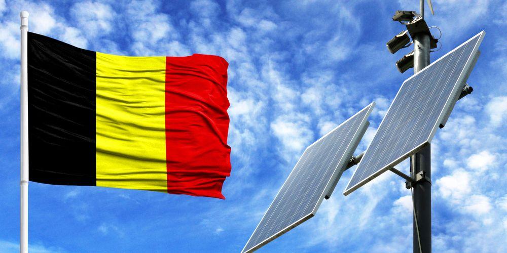 Vlaamse eigenaren zonnepanelen klagen overheid aan