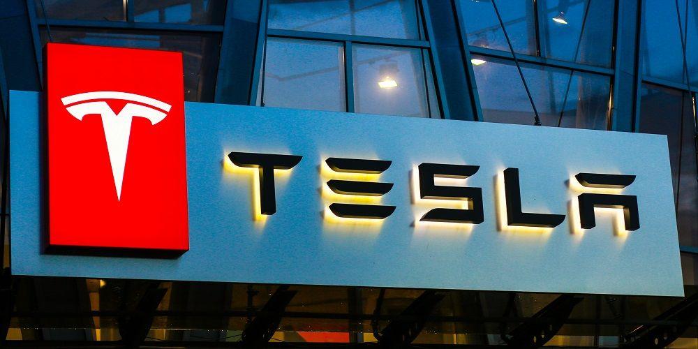 Tesla geeft batterij ter compensatie
